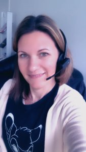 Simone Weinzierl Marketing Managerin Headset